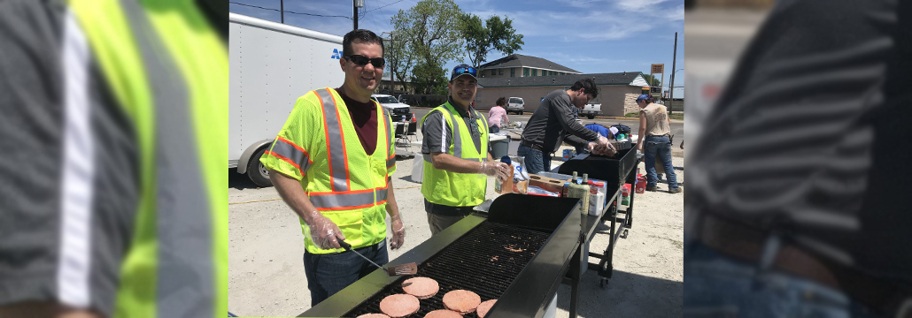 Atmos Energy volunteers pitch in to feed Franklin residents
